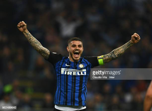 Mauro Icardi of FC Internazionale celebrates after scoring the goal during the serie A match between FC Internazionale and Juventus at Stadio...