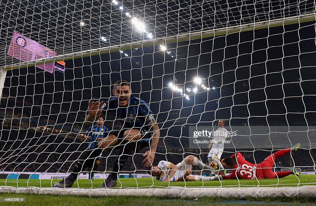 Mauro Icardi of FC Internazionale celebrates after scoring the second goal during the Serie A match between FC Internazionale Milano and Frosinone Calcio at Stadio Giuseppe Meazza on November 22, 2015 in Milan, Italy.