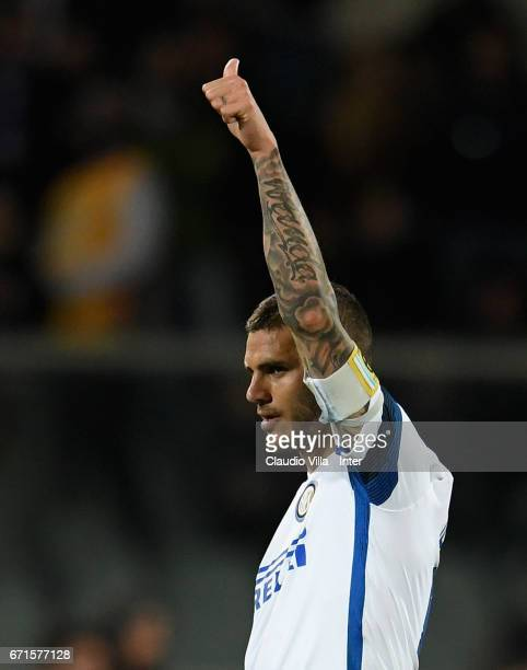 Mauro Icardi of FC Internazionale celebrates after scoring the second goal during the Serie A match between ACF Fiorentina v FC Internazionale at...