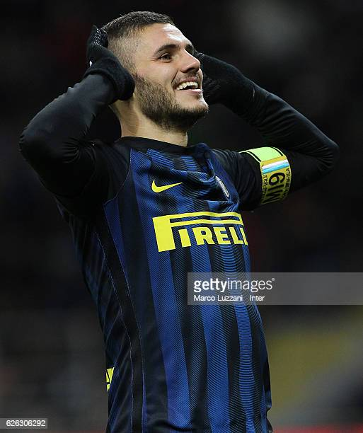 Mauro Icardi of FC Internazionale celebrates after scoring the third goal during the Serie A match between FC Internazionale and ACF Fiorentina at...