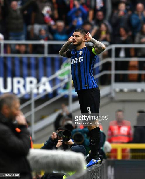 Mauro Icardi of FC Internazionale celebrates after scoring the third goal during the serie A match between FC Internazionale and Hellas Verona FC at...