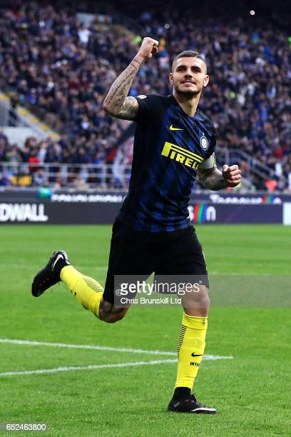 Mauro Icardi of FC Internazionale celebrates scoring his side's second goal during the Serie A match between FC Internazionale and Atalanta BC at...