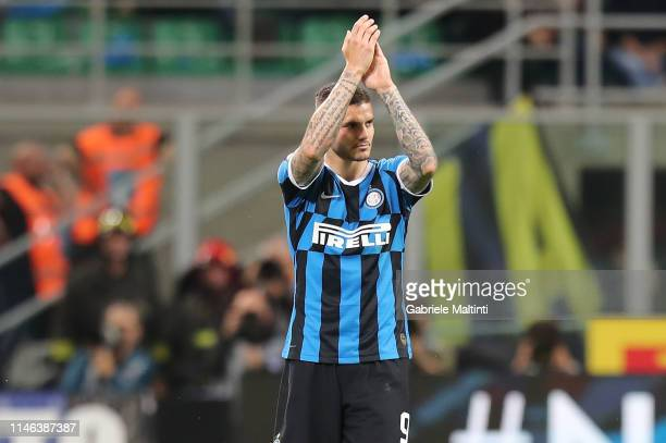 Mauro Icardi of FC Internazionale claps the hands during the Serie A match between FC Internazionale and Empoli FC at Stadio Giuseppe Meazza on May...