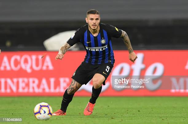 Mauro Icardi of FC Internazionale in action during the Serie A match between SSC Napoli and FC Internazionale at Stadio San Paolo on May 19 2019 in...