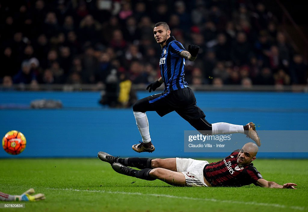 Mauro Icardi of FC Internazionale #9 in action during the Serie A match between AC Milan and FC Internazionale Milano at Stadio Giuseppe Meazza on January 31, 2016 in Milan, Italy.