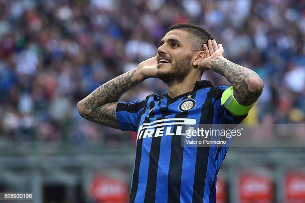 Mauro Icardi of FC Internazionale Milano celebrates after scoring the opening goal during the Serie A match between FC Internazionale Milano and...