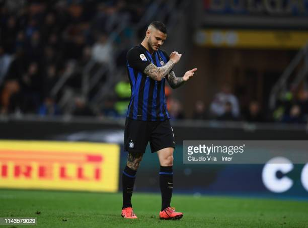 Mauro Icardi of FC Internazionale reacts during the Serie A match between FC Internazionale and Chievo at Stadio Giuseppe Meazza on May 13 2019 in...
