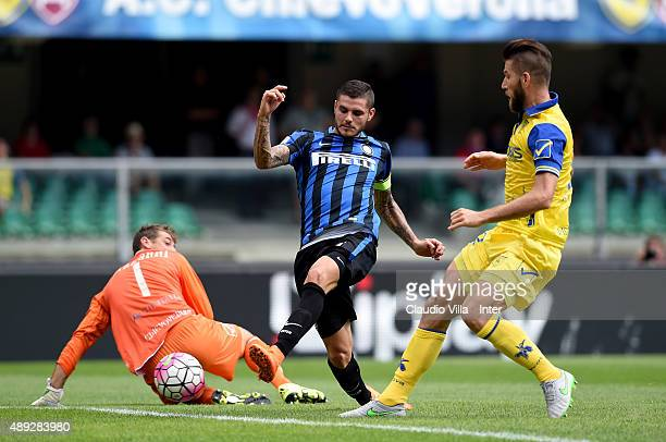 Mauro Icardi of FC Internazionale scores the opening goal during the Serie A match between AC Chievo Verona and FC Internazionale Milano at Stadio...
