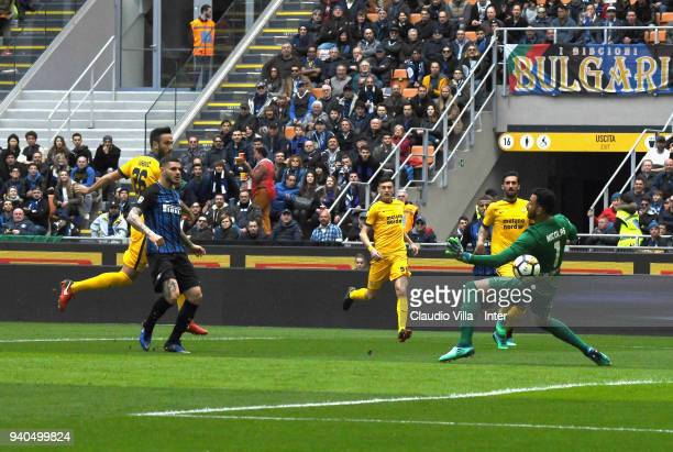Mauro Icardi of FC Internazionale scores the opening goal during the serie A match between FC Internazionale and Hellas Verona FC at Stadio Giuseppe...