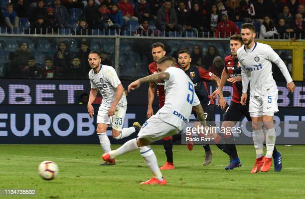 Mauro Icardi of FC Internazionale scores the penalty 02 during the Serie A match between Genoa CFC and FC Internazionale at Stadio Luigi Ferraris on...