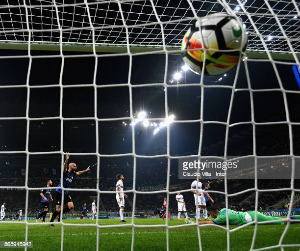 Mauro Icardi of FC Internazionale scores the second goal during the Serie A match between FC Internazionale and UC Sampdoria at Stadio Giuseppe...