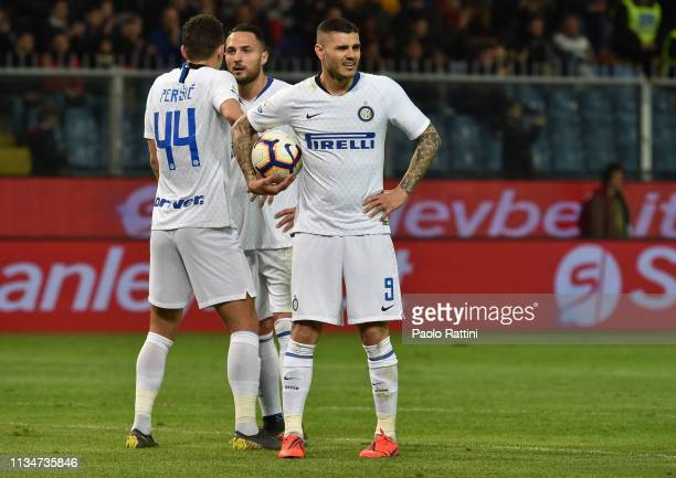 Mauro Icardi of FC Internazionale waits to take the penalty during the Serie A match between Genoa CFC and FC Internazionale at Stadio Luigi Ferraris...