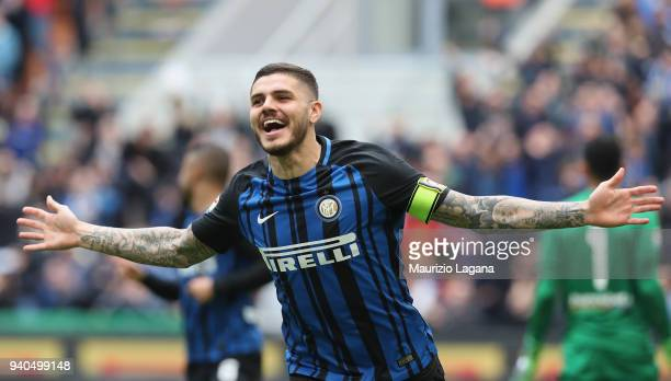 Mauro Icardi of Inter celebrates after scoring his team's opening goal during the serie A match between FC Internazionale and Hellas Verona FC at...