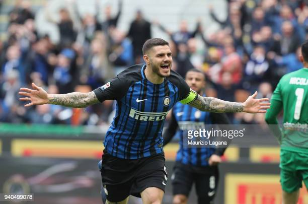 Mauro Icardi of Inter celebrates the opening goal during the serie A match between FC Internazionale and Hellas Verona FC at Stadio Giuseppe Meazza...