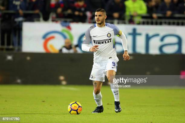 Mauro Icardi of Inter in action during the Serie A match between Cagliari Calcio and FC Internazionale at Stadio Sant'Elia on November 25 2017 in...
