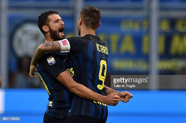 Mauro Icardi of Internazionale celebrates with Antonio Candreva after scoring the equalizing goal during the Seria A match between FC Internazionale...