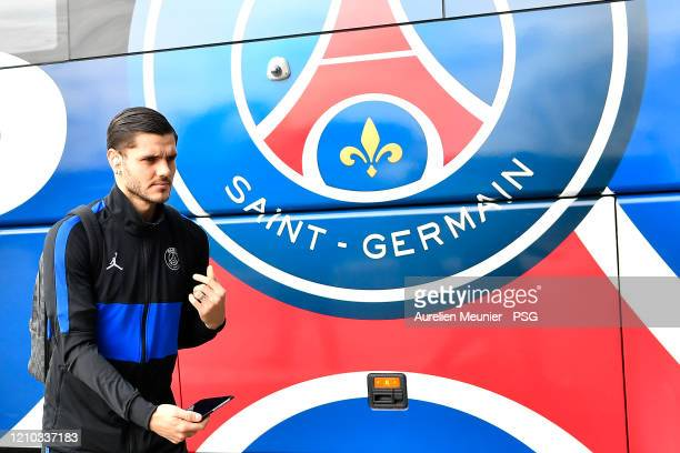 Mauro Icardi of Paris SaintGermain arrives at the team hotel before the French Cup Semi Final match between Olympique Lyon and Paris SaintGermain at...
