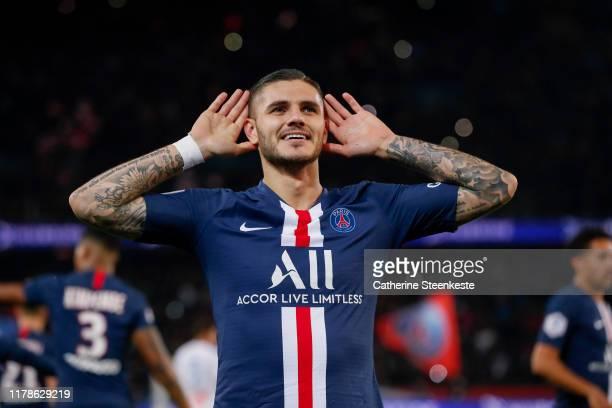 Mauro Icardi of Paris Saint-Germain celebrates his goal during the Ligue 1 match between Paris Saint-Germain and Olympique Marseille at Parc des...