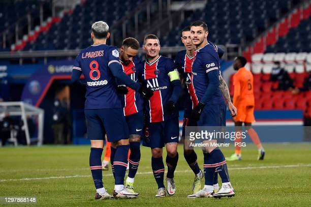 Mauro Icardi of Paris Saint-Germain is congratulated by teammates Angel Di Maria, Leandro Paredes, Marco Verratti and Neymar Jr after scoring during...