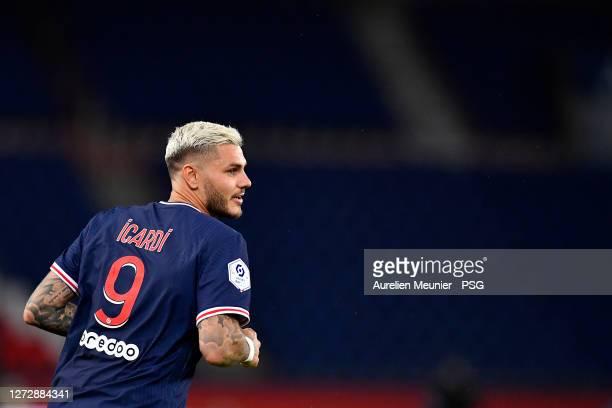 Mauro Icardi of Paris Saint-Germain looks on during the Ligue 1 match between Paris Saint-Germain and FC Metz at Parc des Princes on September 16,...