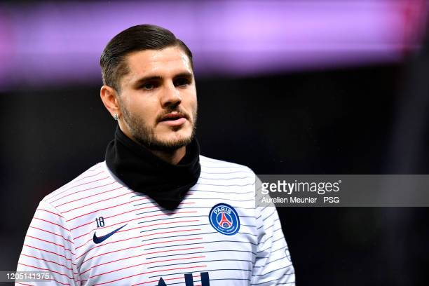 Mauro Icardi of Paris SaintGermain looks on during warmup before the Ligue 1 match between Paris SaintGermain and Olympique Lyon at Parc des Princes...