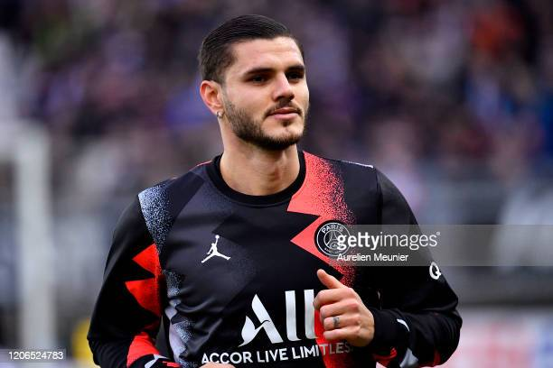 Mauro Icardi of Paris SaintGermain looks on during warmup before the Ligue 1 match between Amiens and Paris at Stade de la Licorne on February 15...