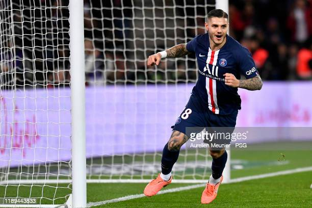 Mauro Icardi of Paris Saint-Germain reacts after scoring during the Ligue 1 match between Paris Saint-Germain and Lille OSC at Parc des Princes on...