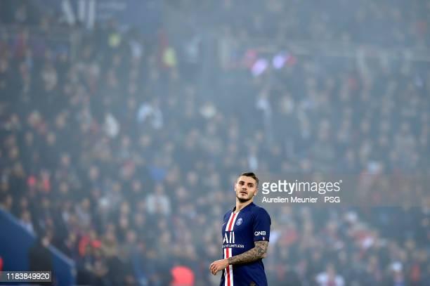 Mauro Icardi of Paris SaintGermain reacts during the Ligue 1 match between Paris SaintGermain and Olympique Marseille at Parc des Princes on October...