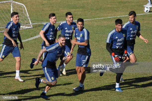 Mauro Icardi runs during a training session ahead of the international friendly match against Mexico on November 18 2018 in Cordoba Argentina