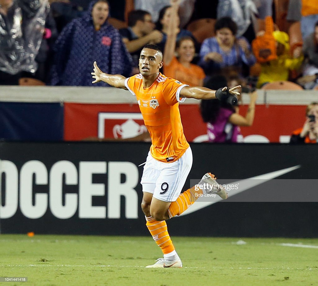 Philadelphia Union v Houston Dynamo: Final - 2018 U.S. Open Cup : News Photo