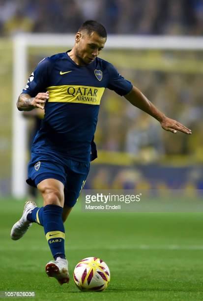 Mauro Zarate of Boca Juniors drives the ball during a match between Boca Juniors and Tigre as part of Superliga 2018/19 at Estadio Alberto J Armando...