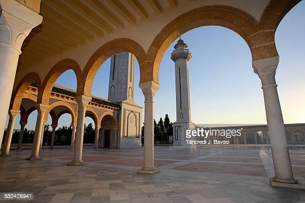 mausoleum of habib bourguiba - bavosi stock pictures, royalty-free photos & images