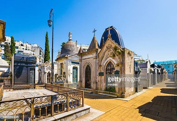 os mausoléus da no cemitério recoleta de buenos aires, argentina - cemitério - fotografias e filmes do acervo