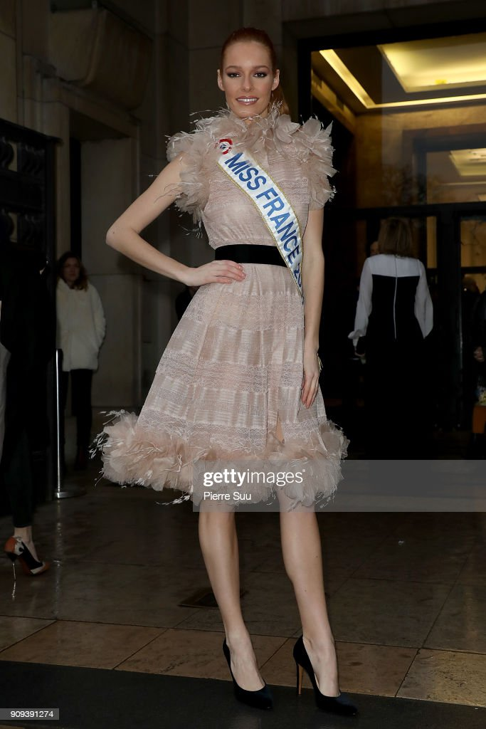 mava-coucke-attends-the-georges-chakra-haute-couture-spring-summer-picture-id909391274