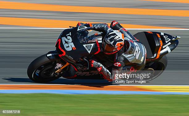 Maverick Vinales of Spain and Movistar Yamaha MotoGP rounds the bend during the MotoGP Test in Valencia at Ricardo Tormo Circuit on November 15 2016...