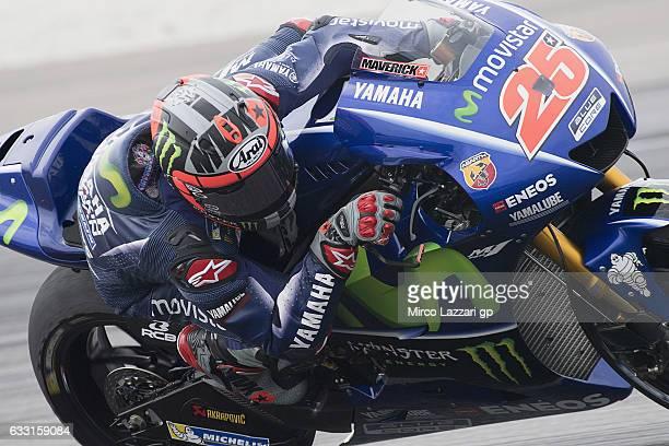 Maverick Vinales of Spain and Movistar Yamaha MotoGP rounds the bend during the MotoGP Tests In Sepang at Sepang Circuit on January 31 2017 in Kuala...