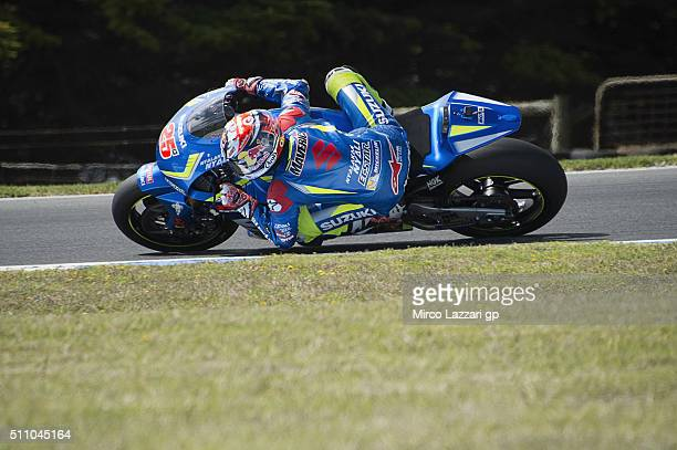 Maverick Vinales of Spain and Team Suzuki ECSTAR rounds the bend during the 2016 MotoGP Test Day at Phillip Island Grand Prix Circuit on February 18...