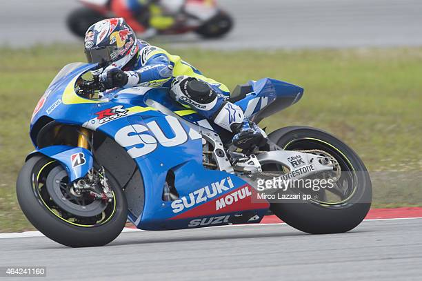Maverick Vinales of Spain and Team Suzuki MotoGP rounds the bend during the MotoGP Tests in Sepang Day One at Sepang Circuit on February 23 2015 in...