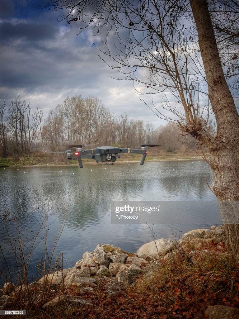DJI Mavic Pro at the river : Foto stock