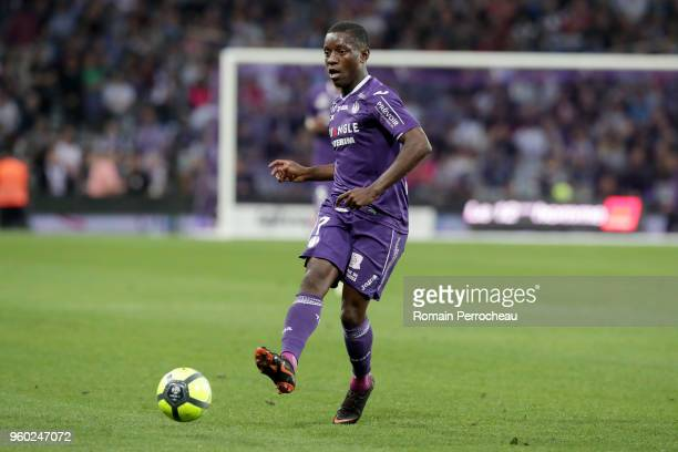 Max Alain Gradel of Toulouse in action during the Ligue 1 match between Toulouse and EA Guingamp at Stadium Municipal on May 19 2018 in Toulouse