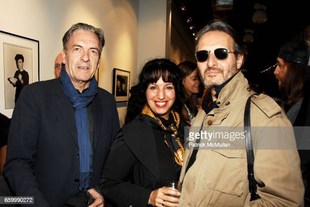 Max Blagg Linda Tepper and guest attend MINA GALLERY Hosts SAM BASSETT and BOBBY GROSSMAN at Mina Gallery on May 14 2009 in New York City