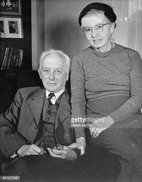 Max Born *11121882Physiker D mit seiner Frau Hedwig 1955