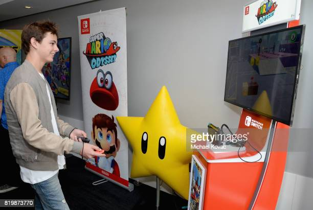 Max Charles from the television series 'The Strain' stopped by Nintendo at the TV Insider Lounge to check out Nintendo Switch during ComicCon...