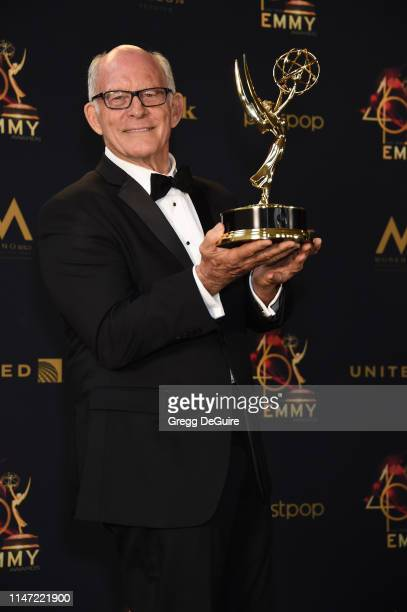Max Gail poses with the Daytime Emmy Award for Outstanding Supporting Actor in a Drama Series during the 46th annual Daytime Emmy Awards at Pasadena...