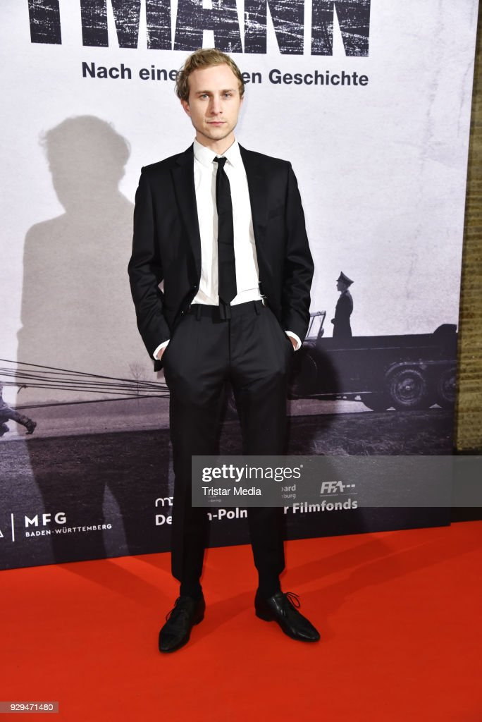 Max Hubacher attends the premiere of 'Der Hauptmann' at Kino International on March 8, 2018 in Berlin, Germany.