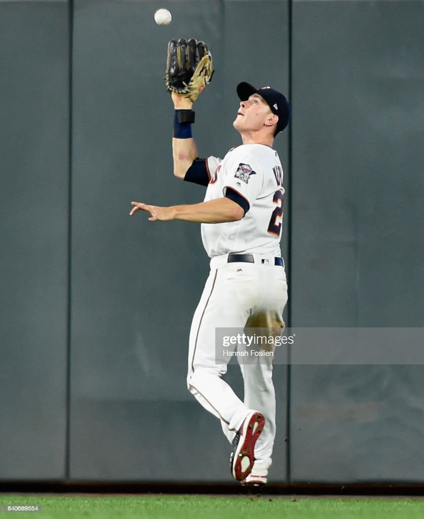 Max Kepler #26 of the Minnesota Twins makes a catch in right field of the ball hit by Yolmer Sanchez #5 of the Chicago White Sox during the seventh inning of the game on August 29, 2017 at Target Field in Minneapolis, Minnesota. The Twins defeated the White Sox 6-4.
