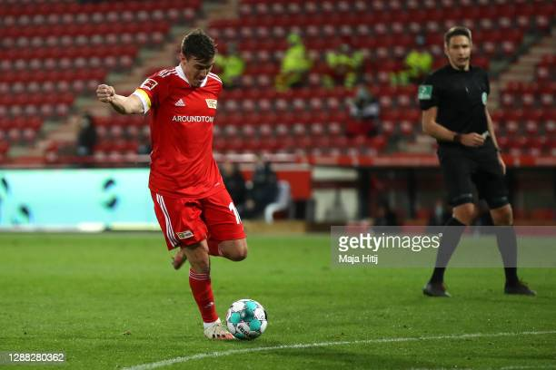 Max Kruse of 1. FC Union Berlin scores his team's third goal during the Bundesliga match between 1. FC Union Berlin and Eintracht Frankfurt at...