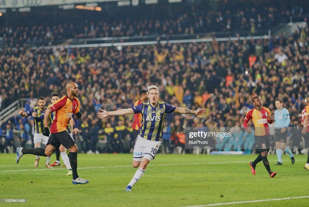 Super Lig - Fenerbahçe against Galatasaray : News Photo