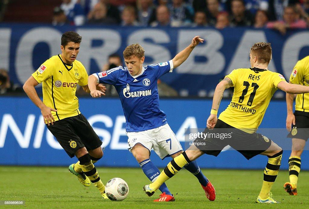 Soccer - Bundesliga - Schalke 04 vs. Borussia Dortmund BVB : ニュース写真