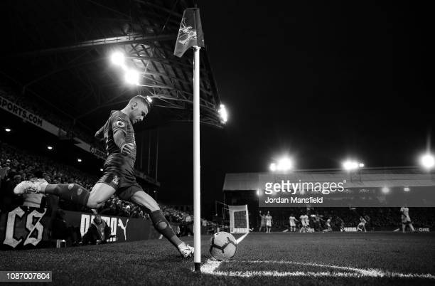 Max Meyer of Crystal Palace takes a corner during the Premier League match between Crystal Palace and Cardiff City at Selhurst Park on December 26...